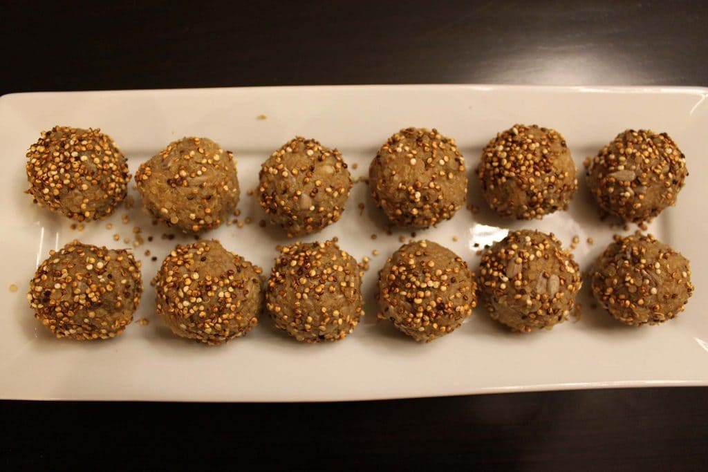 Recipe: Pop-Q's (puffed quinoa & maple syrup bites)