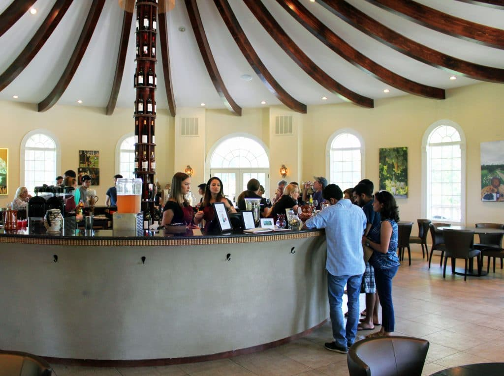 Morais Vineyards & Winery - Tasting Area