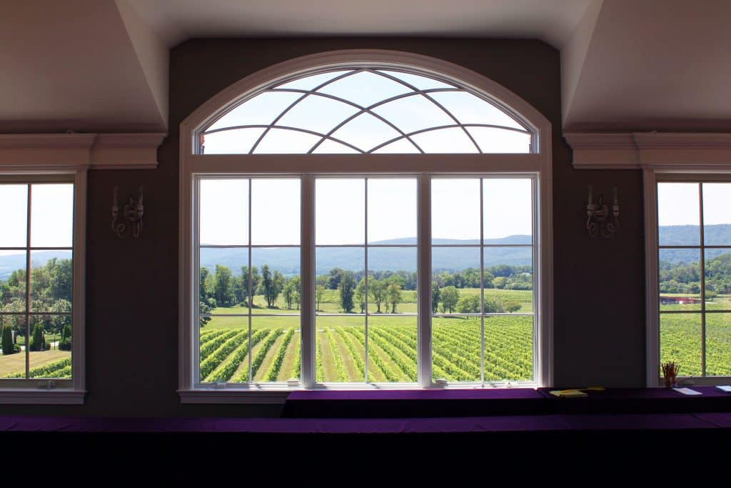Breaux Vineyards - Gathering Room Above Tasting Bar