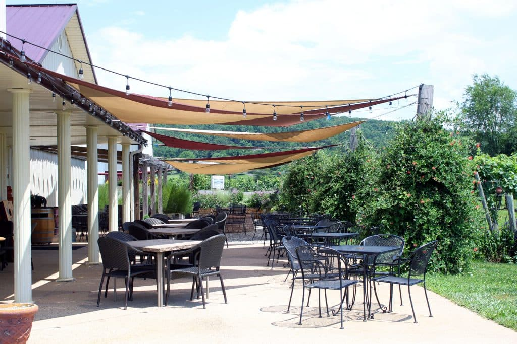 Pearmund Cellars - Patio