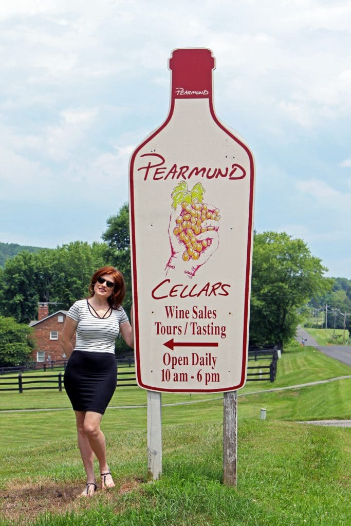 Pearmund Cellars - Welcome Sign