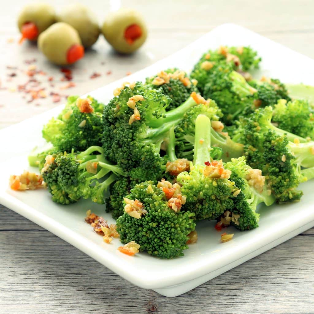 Broccoli with Olive Fig Tapenade (Gluten-free, Plant-based / Vegan)