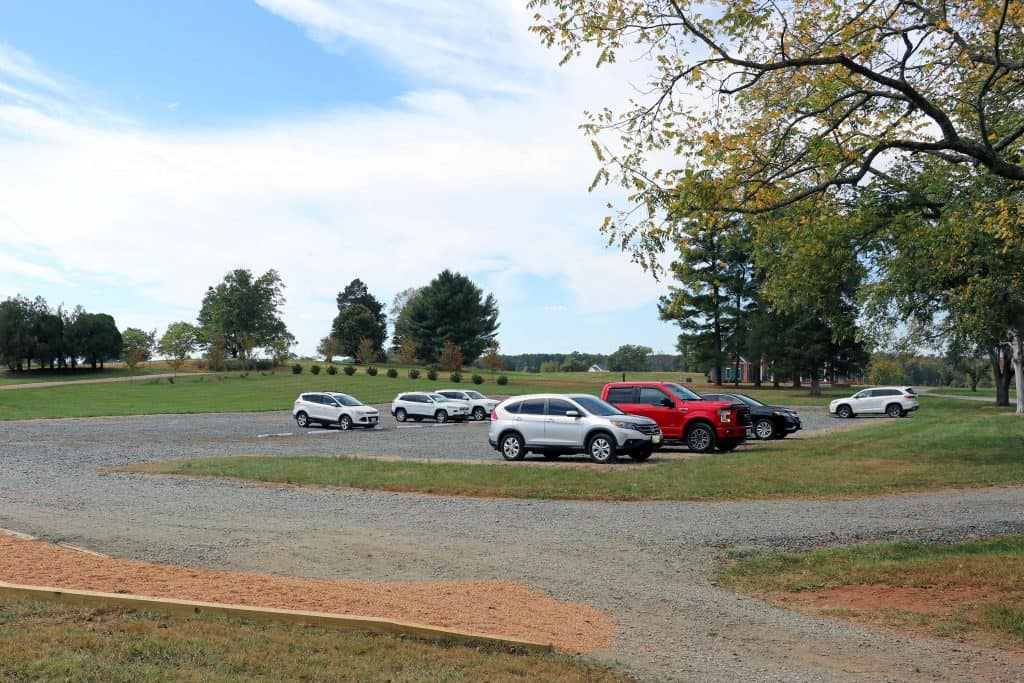 Effingham Manor Winery - Parking