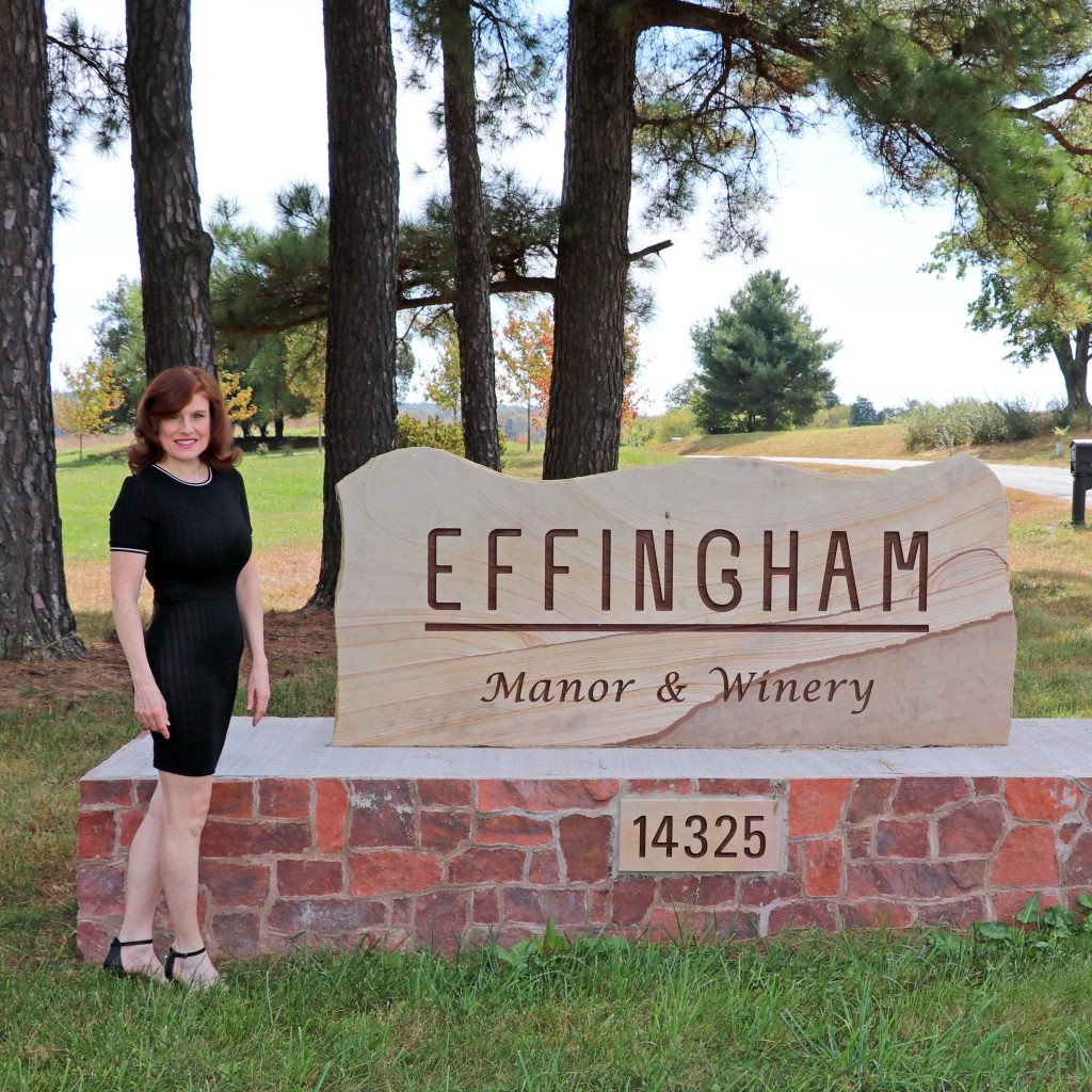 Effingham Manor Winery - Welcome Sign